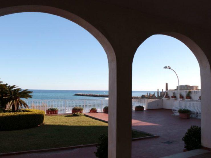Beach villa Syracuse Avola