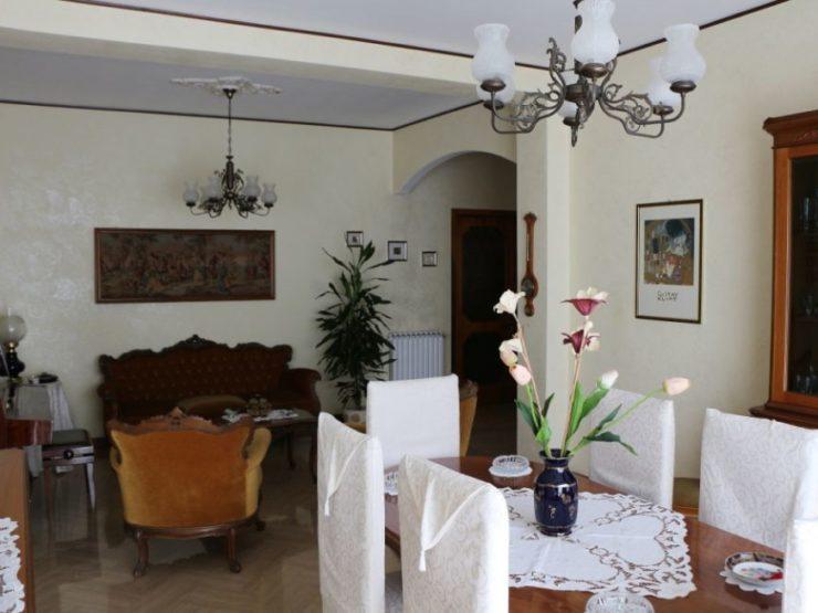 Canicattini Bagni appartamento con terrazzo in vendita