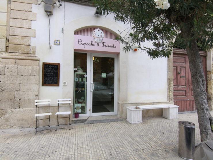 Ortigia basso commerciale via Savoia in vendita