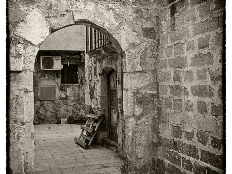 Ortigia: mai nulla come una casa racconterà la storia di una città e della sua gente