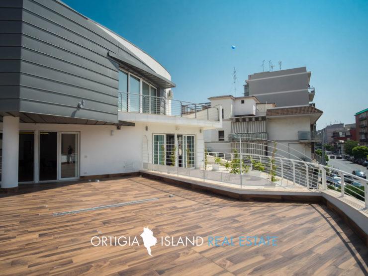 Siracusa appartamento con terrazza in vendita