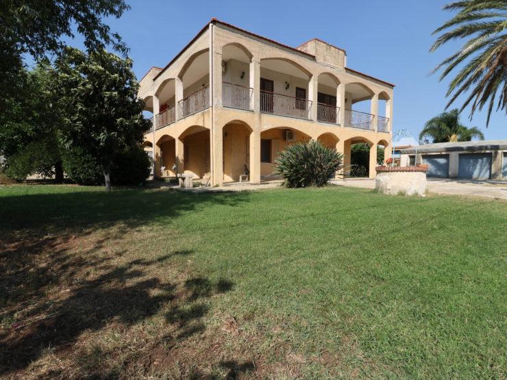 Isola Carrozzieri appartamento in villa