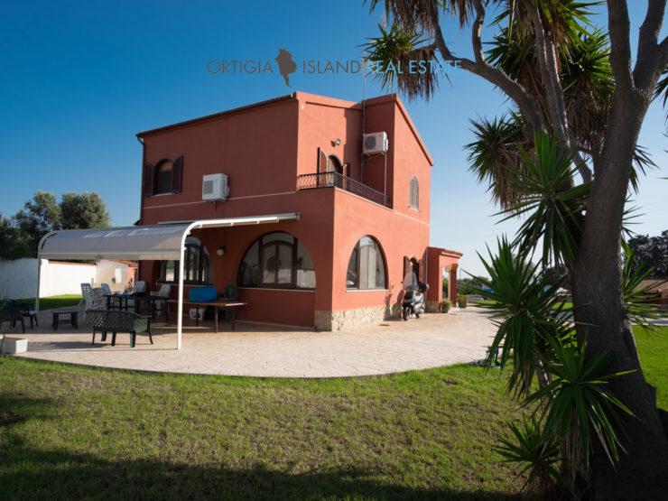 Isola Siracusa villa in vendita