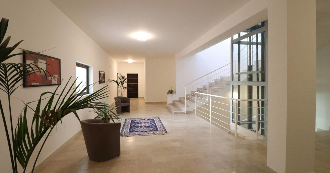 Best ringhiera terrazzo contemporary design trends con copri