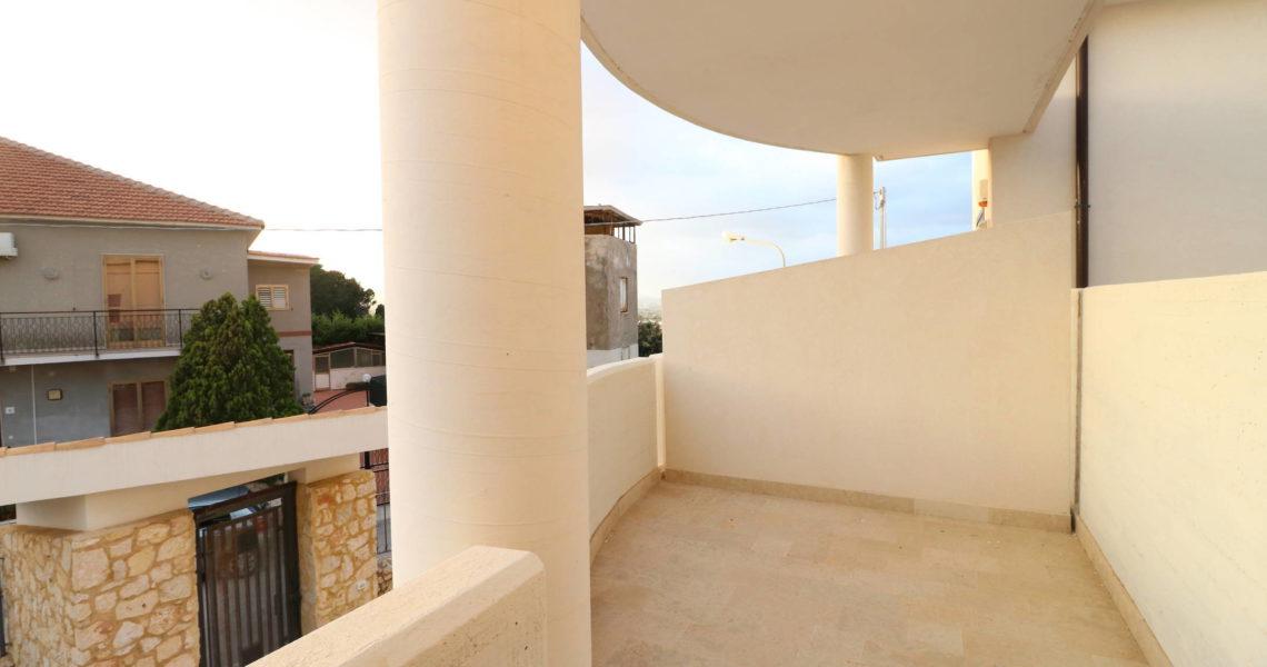Scala greca pizzuta appartamento nuova costruzione con terrazzo