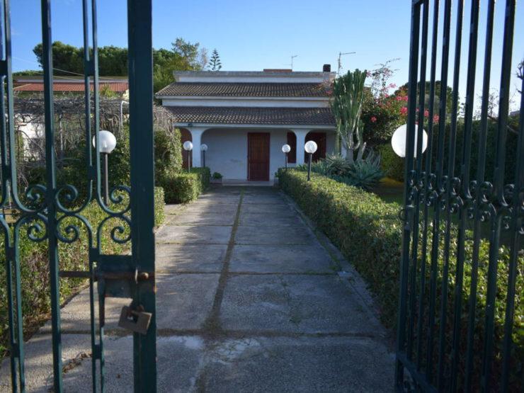 Fontane Bianche villa su due livelli in vendita