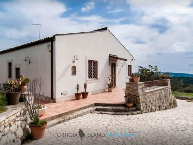 Villa a Noto Antica in vendita