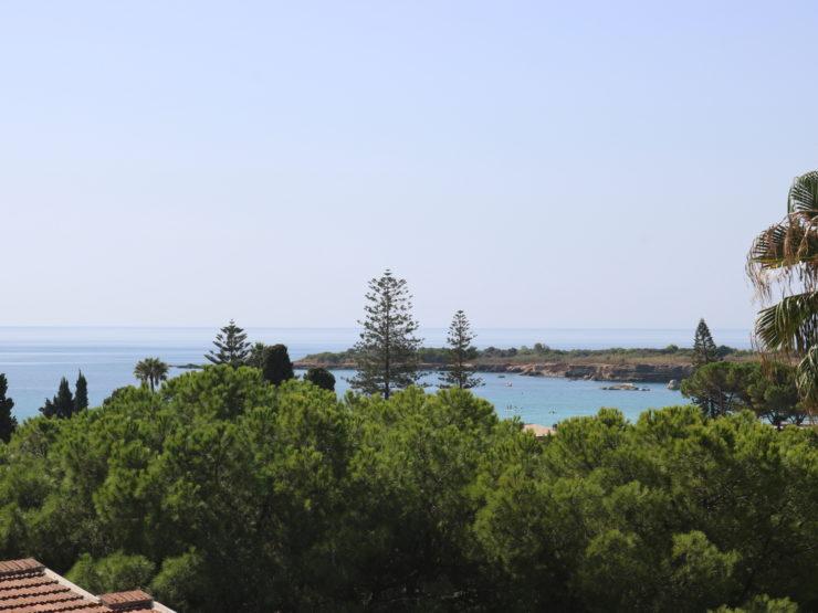 Fontane Bianche Villa in vendita tra verde e mare