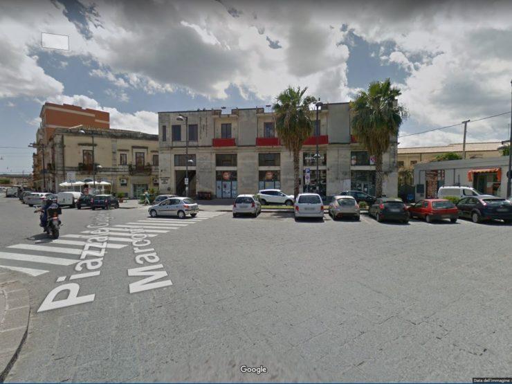 Locale commerciale in vendita – Siracusa centro- Piazzale Marconi