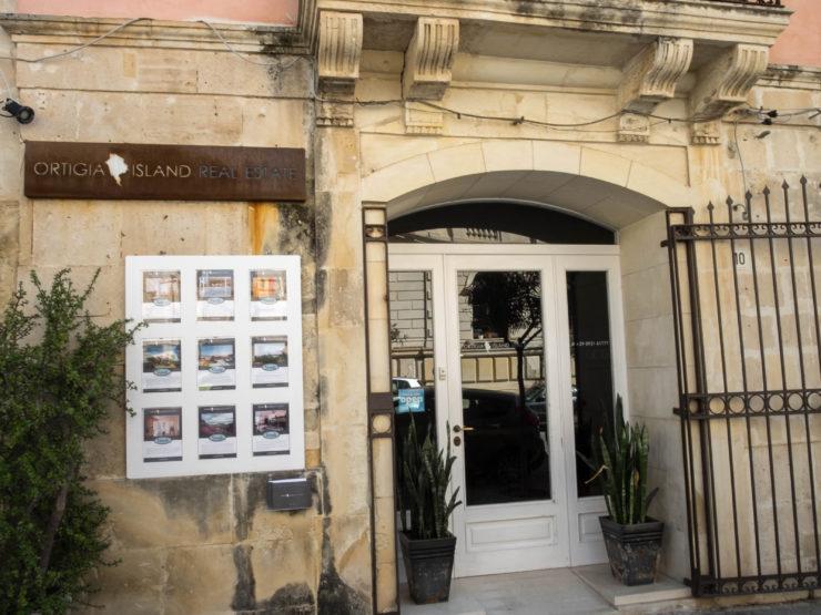 Comprare e rivendere casa con l'agenzia immobiliare Ortigia Island