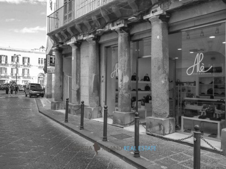 Ortigia Maestranza Archimede basso commerciale in vendita