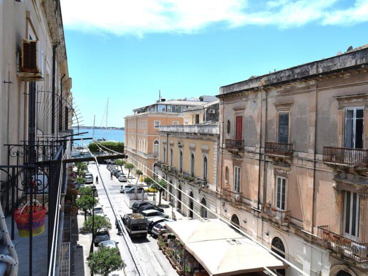 Ortigia Casa con balconi vista mare