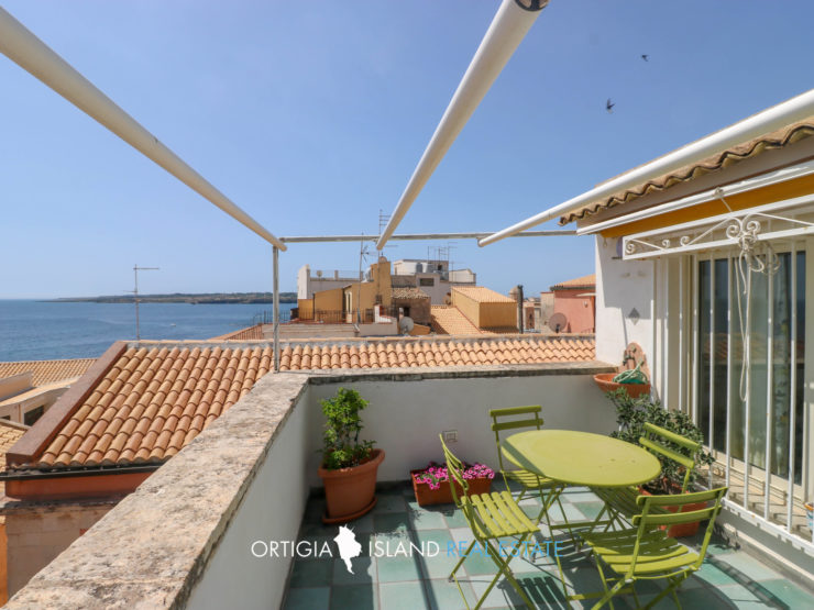 Ortigia independent house with sea view terrace