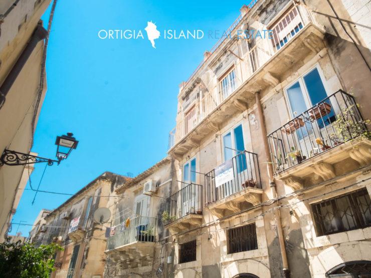 Intero stabile – palazzo terra cielo in vendita – Ortigia San Giuseppe