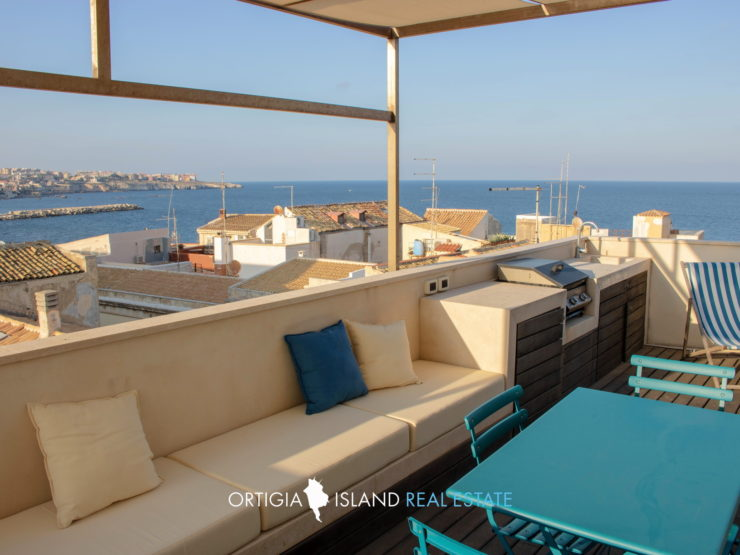 Ortigia Via Veneto apartment with sea view terrace