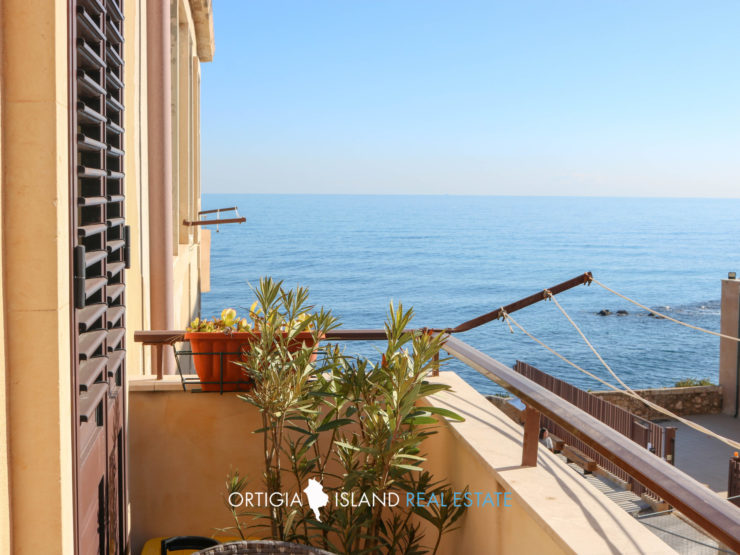 Ortigia Maniace apartment with sea view