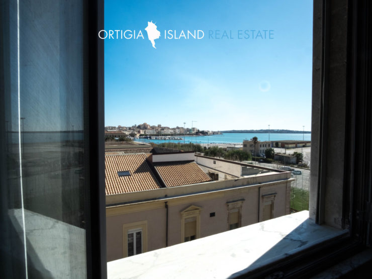 For sale apartment located in the Umbertina area in Siracusa