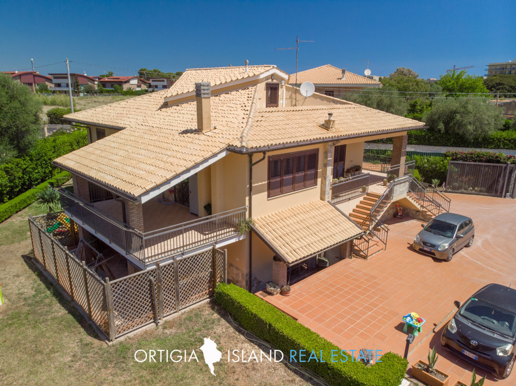 Exclusive restord Villa for sale in Siracusa