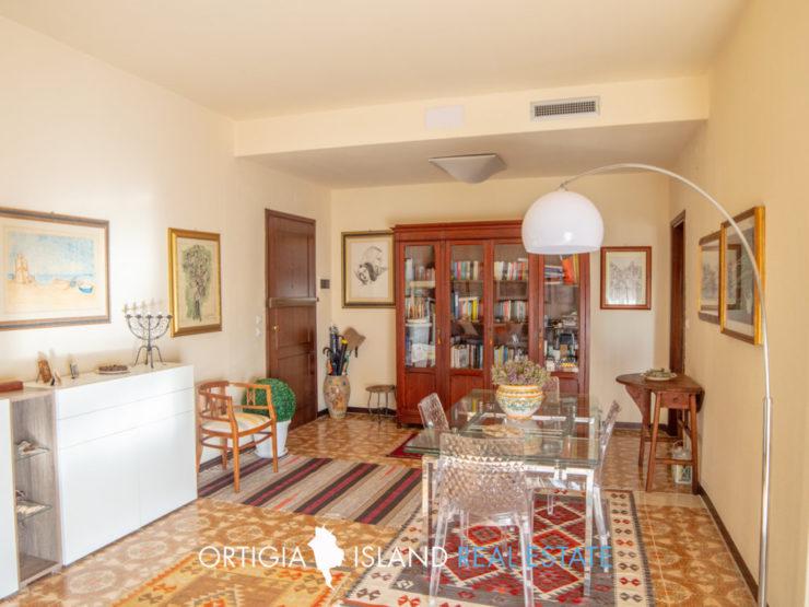 Appartamento con terrazze Scala Greca