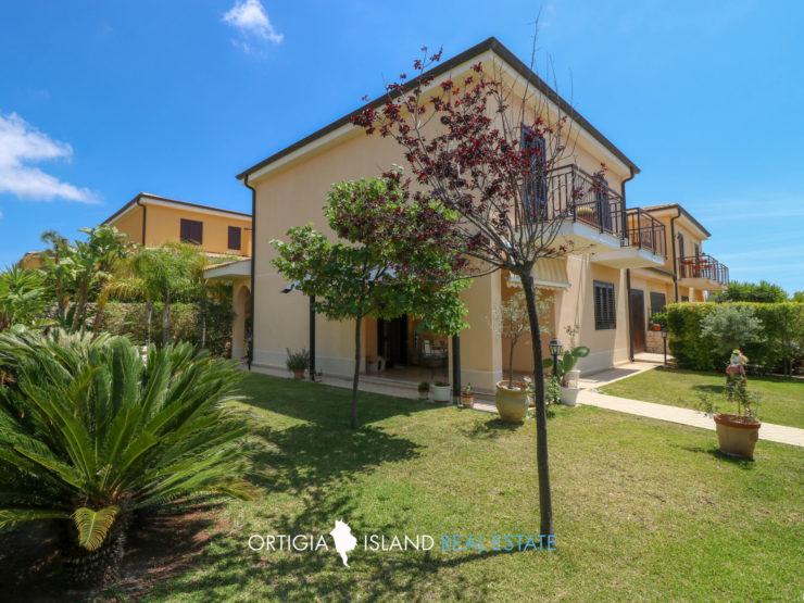 Tremilia Sinerchia Villa in Residence