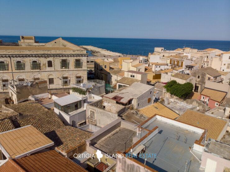 Ortigia Via Dione casa con terrazzo