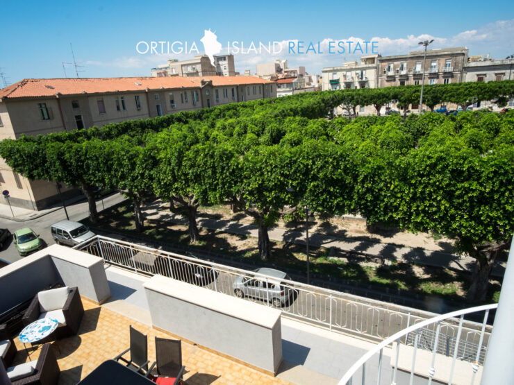 Piazza Santa Lucia Penthouse with terraces for sale