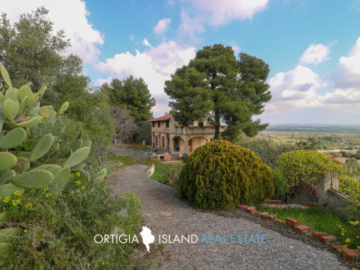 Siracusa Villa in vendita nella riserva naturale Grotta Monello