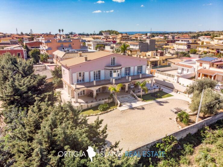 Siracusa elegante Villa in città con vista