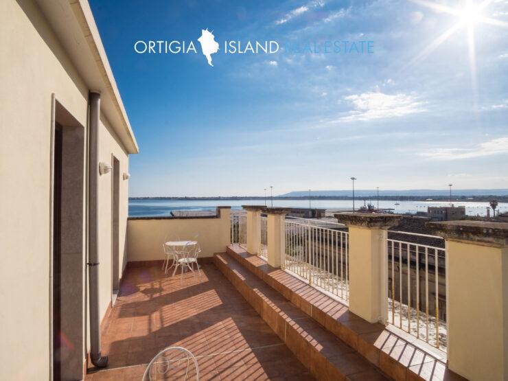 Siracusa Ortigia – Hotel in affitto con terrazza vista mare
