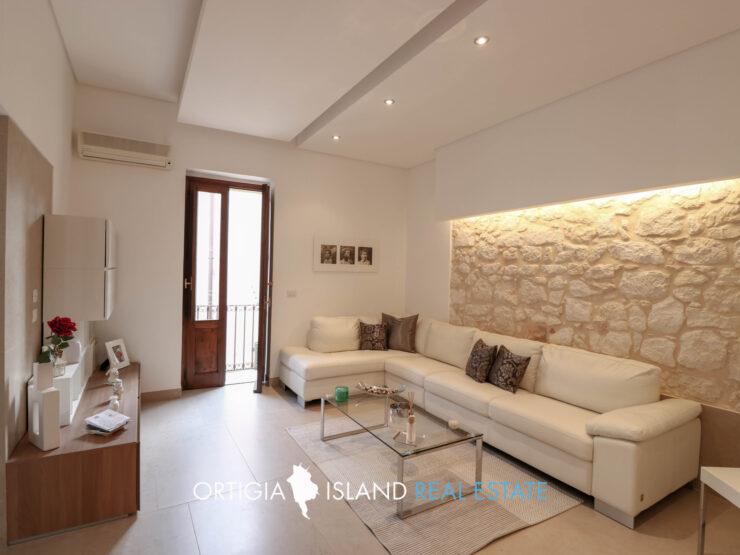 Ortigia Mergulensi appartamento con terrazzo in vendita