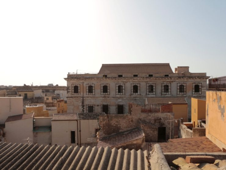 Ortigia Building with approved project – 6 two-room apartments