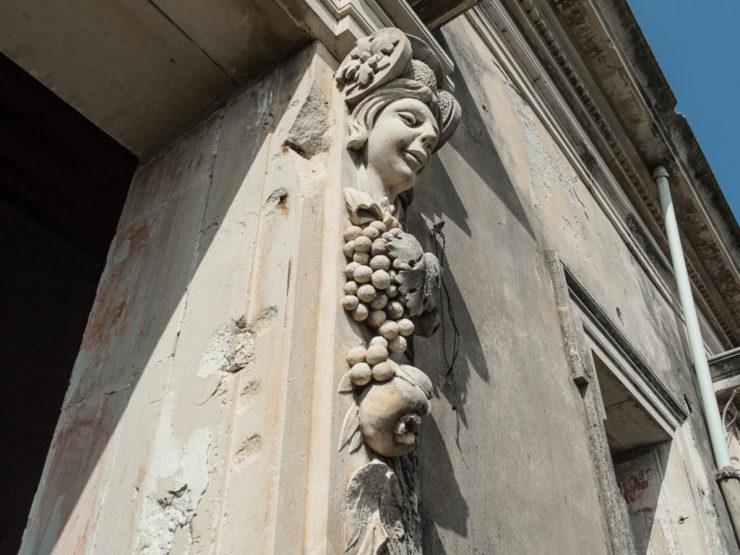 Siracusa Palazzo primi 900 con adiacente ex Cinema