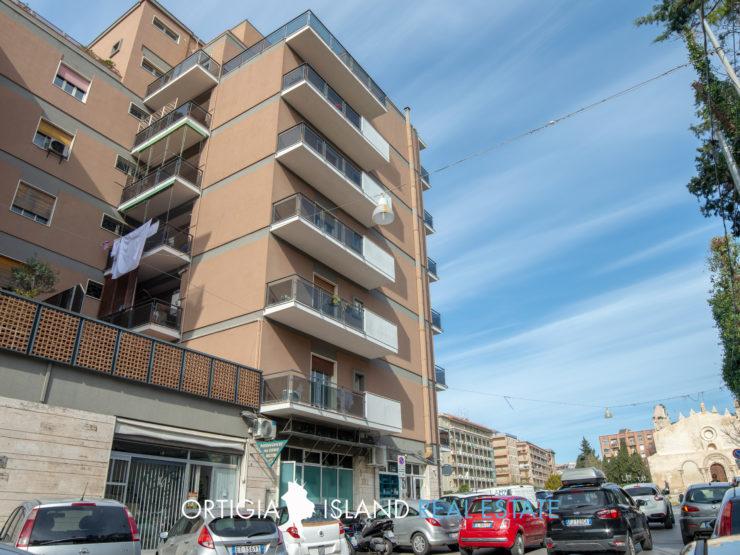Appartamento uso ufficio in affitto Piazza San Giovanni