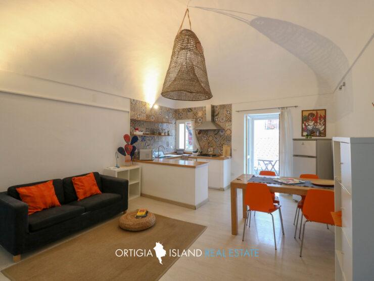 Ortigia Giudecca casa con terrazzo in affitto