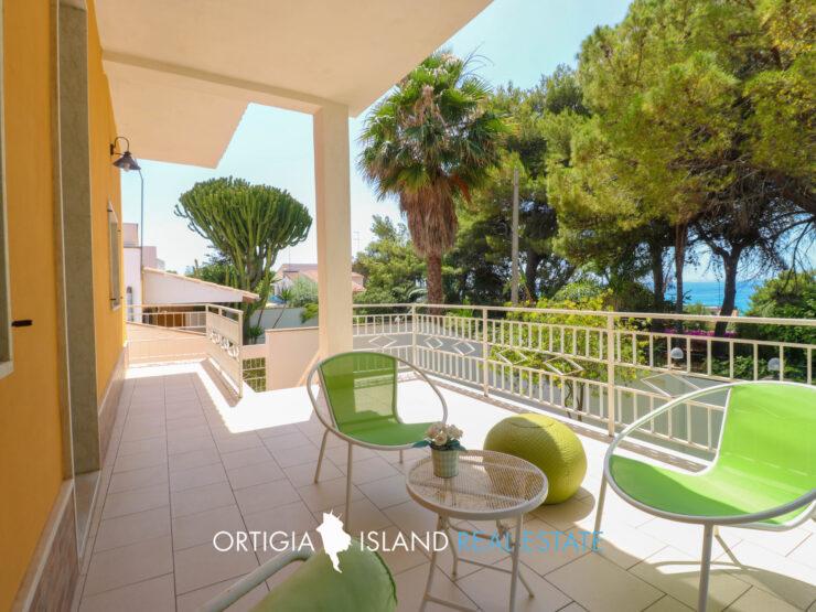 Fontane Bianche villa in vendita a 150 metri dalla spiaggia