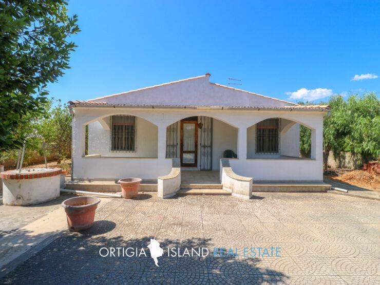 Villa in vendita in Contrada  Cava secca